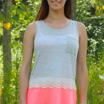 Two-tone  pocket tank with lace
