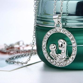 Moms Jewelry Birthday Gift For Mother Baby Heart Charm Pendant Mom Daughter Son Child Family Love Cubic Chain Necklace