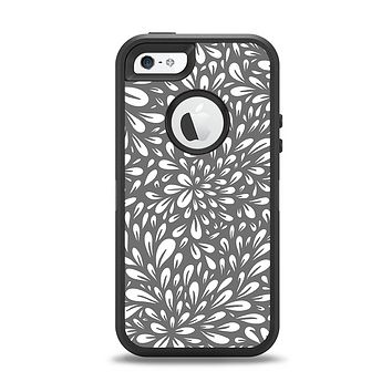 The Gray & White Floral Sprout Apple iPhone 5-5s Otterbox Defender Case Skin Set