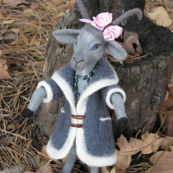 Needle Felted Goat in Gray Coat, MADE to ORDER, House Decoration Ideas, Miniature Animals, Collectible Toys