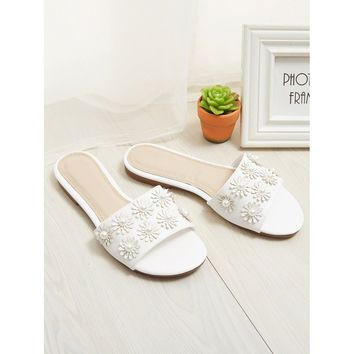 Faux Pearl Flower Decorated Flat Sliders White