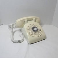 1970s Vintage Rotary Dial Telephone in Ivory, ITT, Non-Removable Cords, Vintage Dial Phone, Vintage Technology, 1970s Telephone, Wall Cord