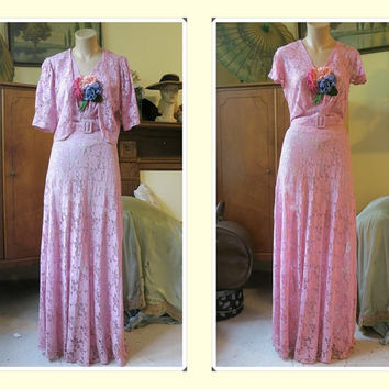 Lovely 1930s Mauve Lace Gown and Jacket with Flowers - Excellent, fits 36 bust, 30 waist