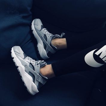 Nike Air Huarache Run Grey Sneaker