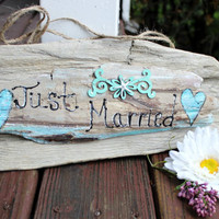 Just Married Driftwood Sign , Beach Wedding Decoration , Coastal Wedding Hand Painted Photo Prop
