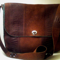 Handmade leather bag / Cross body messenger
