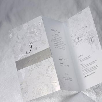 100pcs/lot Silver Wedding Invitations Card with Ribbon Flower Printable & Customized Birthday Invitation Cards for Party Supply