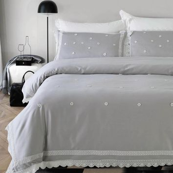 Exquisite Embroidered Bedding Set. Egyptian cotton lace duvet cover, flat sheet, 2 pillow shams. 4pcs