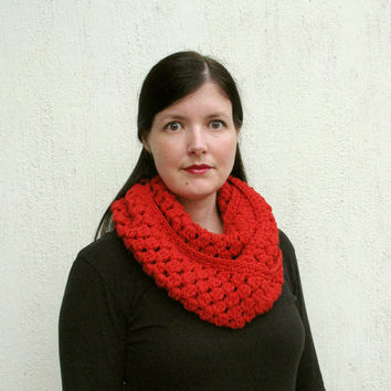 Christmas Scarf, Red Infinity Scarf, Chilli red crochet scarf, gift for her, Fall, Winter, Christmas gift, holiday gift, red gift