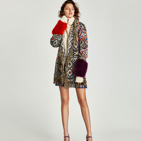 EMBROIDERED JACQUARD COAT DETAILS