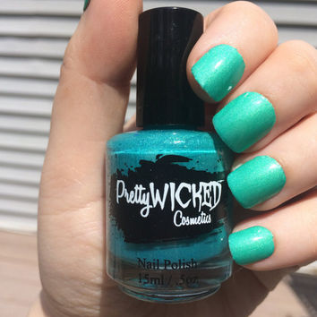 Blue/Green Thermal Nail Polish, Amphitrite Polish, Color Changing Nail Polish, Blue Nail Polish, Green Nail Polish, Shimmer Nail Polish