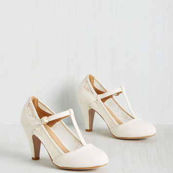 Romance on Air Heel in Ivory | Mod Retro Vintage Heels | ModCloth.com