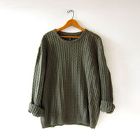 vintage boyfriend sweater. cable knit sweater. army green oversized pullover.