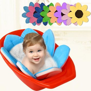 Fold able Flowers Shape Bath Mat Baby Tub
