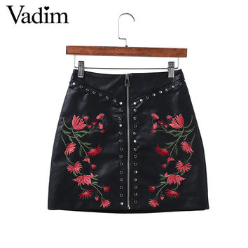 Women PU leather flower embroidery zipper skirts rivet design faldas European style fashion streetwear black mini skirts BSQ512