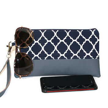 Navy and white faux leather clutch, two-tone clutch, zippered pouch, bridesmaid clutch, bridal party gift, zippered pouch, tea party bag.