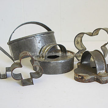 Set of 6 Vintage Metal Cooky Cutters, Biscuit Cutters, Horderve Cutters Primitive
