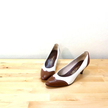 Vintage Spectator Pumps / Brown White Heels / Pointed Toe Heels / Kitten Heels 8.5 AA