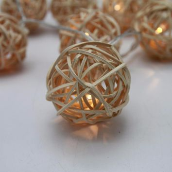 10 LED Rattan Balls String Lights