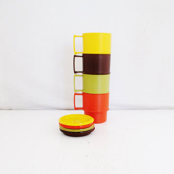Tupperware Mugs Stackable Mugs Set of 4 Lidded Tupperware Cups Plastic Stackable Coffee Mugs No Slip Mugs Mugs with Coasters Retro Kitchen