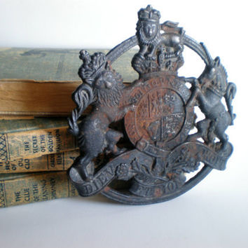 Trivet Cast Iron With United Kingdom Coat of Arms by HoundDogDigs