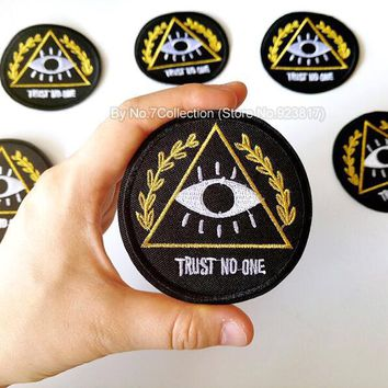 1Pcs Evil Eye Trust No One Embroidered Patch for Clothing Iron on Sew Applique Motorcycle Biker Patches Clothes Sticker Badges