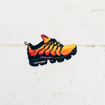 auguau Nike Air VaporMax Plus - Black/Black-Total Orange-Total Crimson