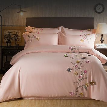 2017 Egypt Cotton pink Butterfly Embroidery Luxury Bedding Set 4Pcs King Queen Size girls Bed set Duvet Cover Bed Sheet