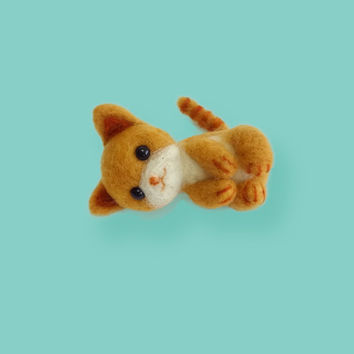 MADE TO ORDER - Needle Felted Sculptures - Lovely Kitten - Miniature Wool Felt Cat