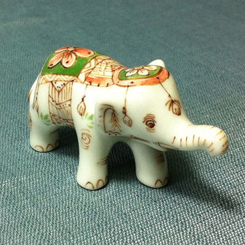 Miniature Ceramic White Royal Elephant Animal Funny Cute Little Tiny Small Figurine White Statue Decoration Hand Painted Craft Collectible