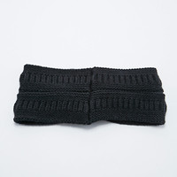 Cable Knit Headwarmer in Black - Urban Outfitters