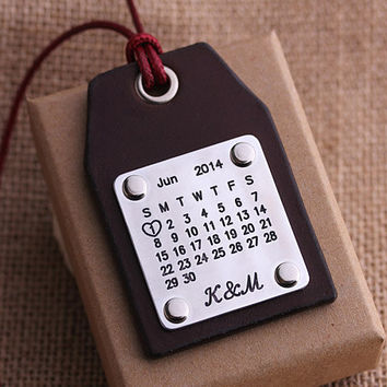 Personalized Leather Luggage Tags - Handcraft Luggage Tags - Calendar Luggage tag - Special Day Calendar - Anniversary, Wedding, Birthday
