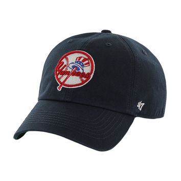 New York Yankees - Club Logo Franchise Navy Fitted Baseball Cap