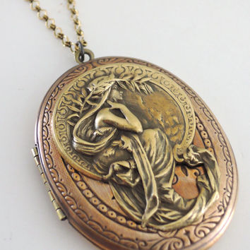 Locket Necklace - Dragon necklace - Large Locket - Dragon Locket -  handmade jewelry - Brass Necklace - Vintage Brass Jewelry