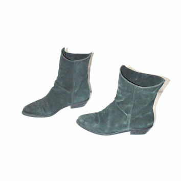 size 6.5 green suede ankle BOOTIES / vintage 80s POINTY toe hipster granny slip on PIXIE winter boots