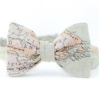 Bow Tie for Men by BartekDesign: self tie light green map traveler globetrotter