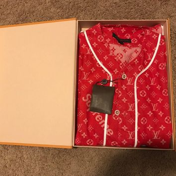 One-nice™ SUPREME x LOUIS VUITTON Monogram Red Denim Baseball Jersey Shirt Size small