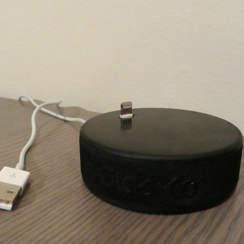 HockeyDockey  the hockey puck iPhone dock by HockeyDockey on Etsy