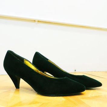 80's Green Velvet Pumps Vintage Women's Dark Green Velvet High Heeled Shoes with Gold Lining 10 M
