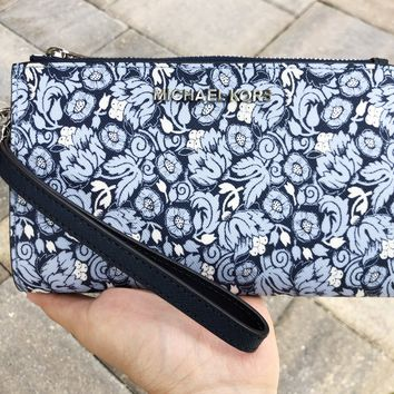 Michael Kors Jet Set Double Zip Wristlet Phone Wallet Navy Pale Blue Floral