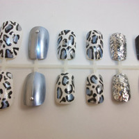Metallic Leopard Print Fake Nails