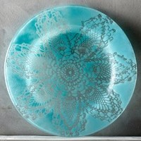 Kicking Glass by Sheree Blum Frosted Doily Dinner Plate