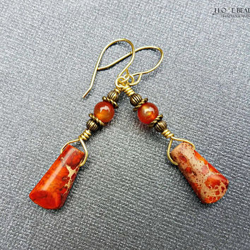 Sea sediment jasper and carnnelian dangle earrings on brass antique gold// coral jasper and brass earrings//coral colored earrings