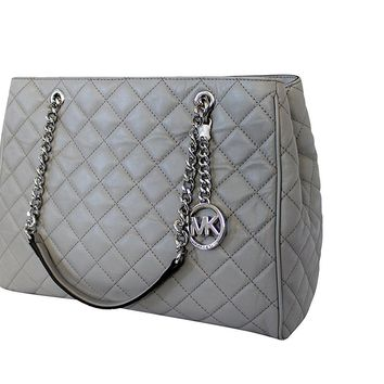21048f2d1b9e MICHAEL Michael Kors Susannah Womens Large Quilted Leather Handb
