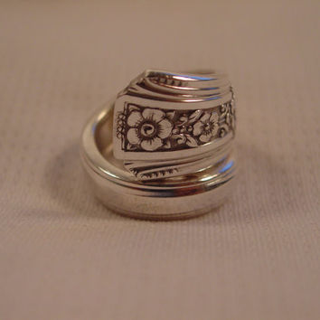 A Spoon Rings Plus Beautiful Spoon Ring Size 6 1/2 Fortune Pattern Wrap Style t348