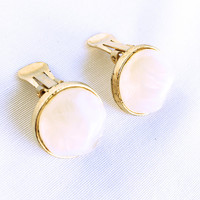 Vintage Kramer White Marbled Translucent & Gold Clip On Earrings, Mod Design White Translucent Jewelry