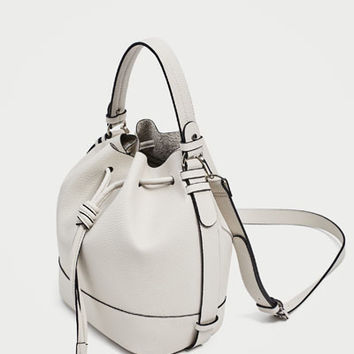 BUCKET BAG WITH KNOT CLOSURE DETAILS