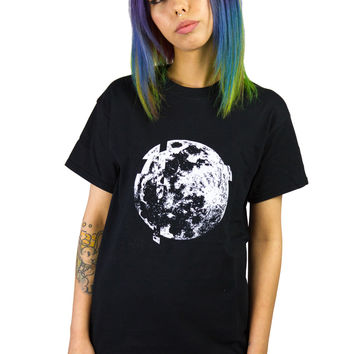 GLITCH MOON  t-shirt