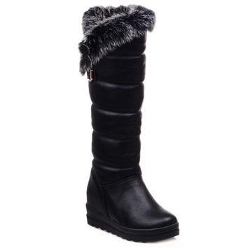 Mid-Calf Boots With Fur and Platform Design
