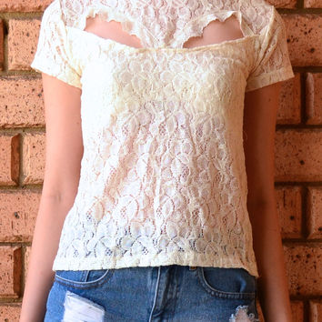 WONDER LACE TOP in CREAM